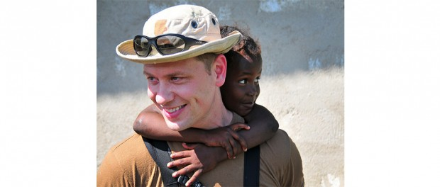 The new identify-verification technology being developed by CCICADA and its partners will speed disaster-relief response times following natural disasters and terrorist attacks. In this photo, a US Navy sailor carries a child during a multi-national response to the 2010 earthquake that flattened Haiti. Photo credit: Flickr, Creative Commons, DVIDSHUB