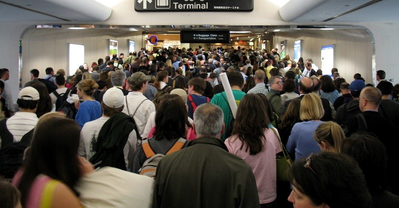 Crowded-US-Airport