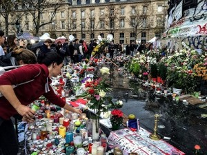 A makeshift memorial to victims was made at Place de la République in Paris following the November 13, 2015 terror attacks. Photo credit: Flickr, Creative Commons.